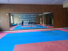 Монтаж большого зеркала в спортивный зал 1