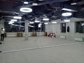 Установка зеркала в спортивный зал 1