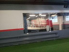 Установка зеркал в спортивный зал 3