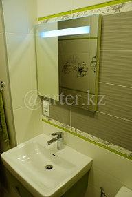 Зеркало с подсветкой над раковиной 2