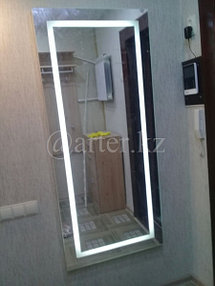 Навесное зеркало с подсветкой 2