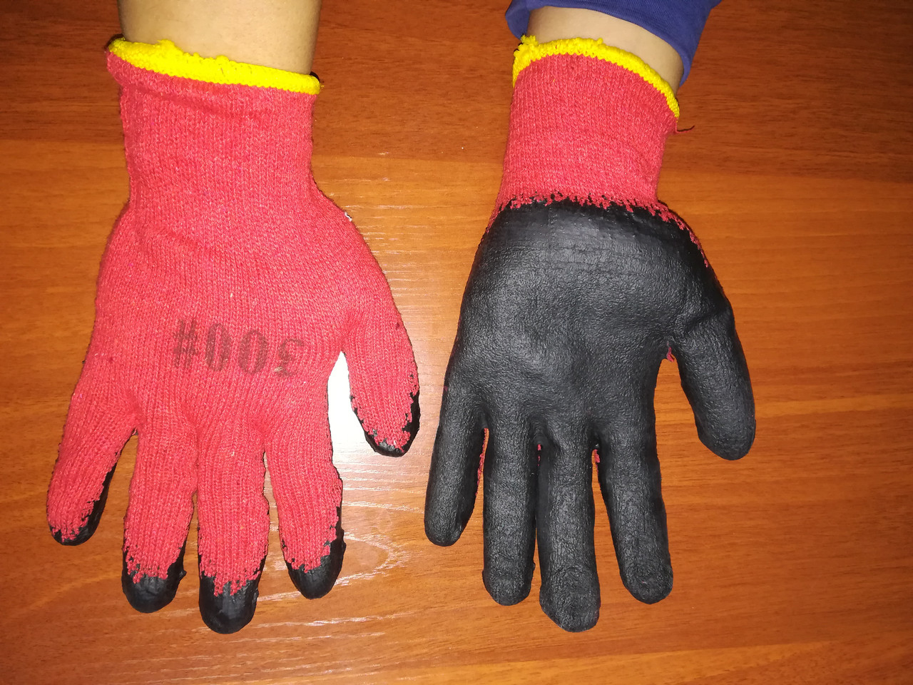 Перчатки синтетика прорезиненные, красные