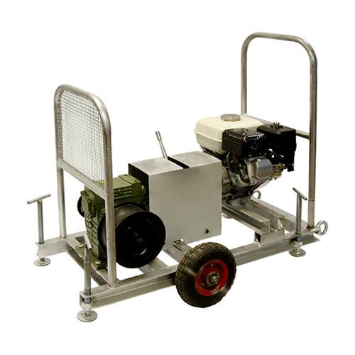 Лебедка тяговая с бензиновым двигателем