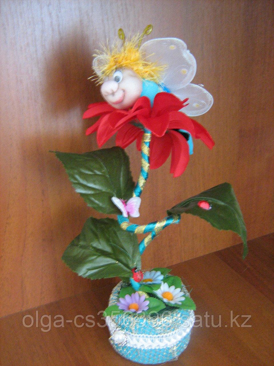 Бабочка на цветочке..  Creativ 1991