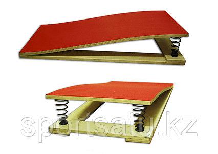 Гимнастический мостик пружинный гнутый