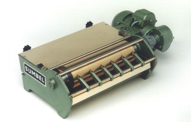 Enano 150 - клеемазательная машина