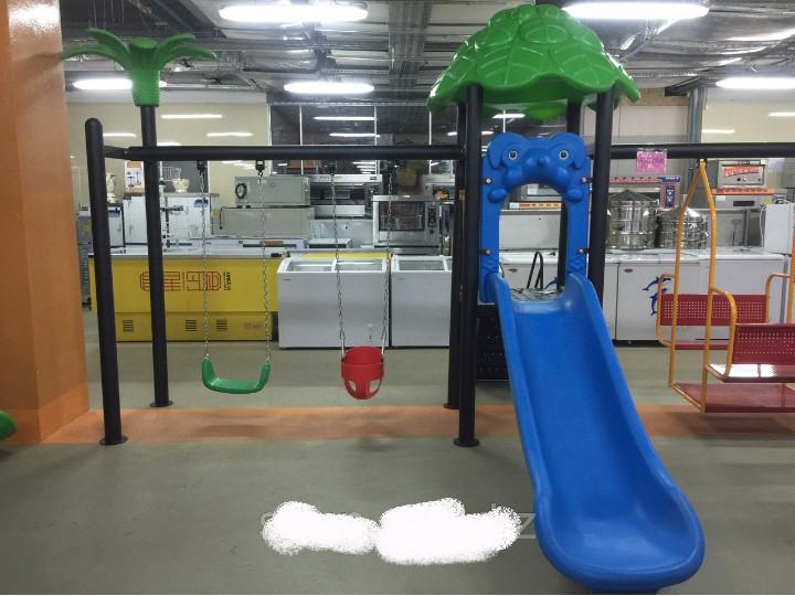 Детский игровой комплекс (качеля, горки)