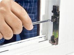 Регулировка окон и дверей.