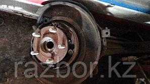 Ступица Subaru Lancaster левая задняя