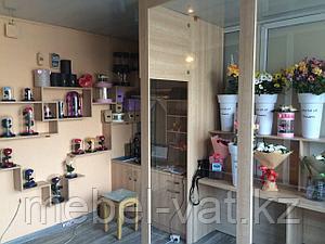 Мебель в цветочный магазин