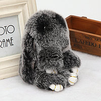 Зайчик-брелок из натурального меха 16х10 см черный с белым отливом
