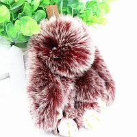 Зайчик-брелок из натурального меха 14.5х8 см бордовый с белым отливом