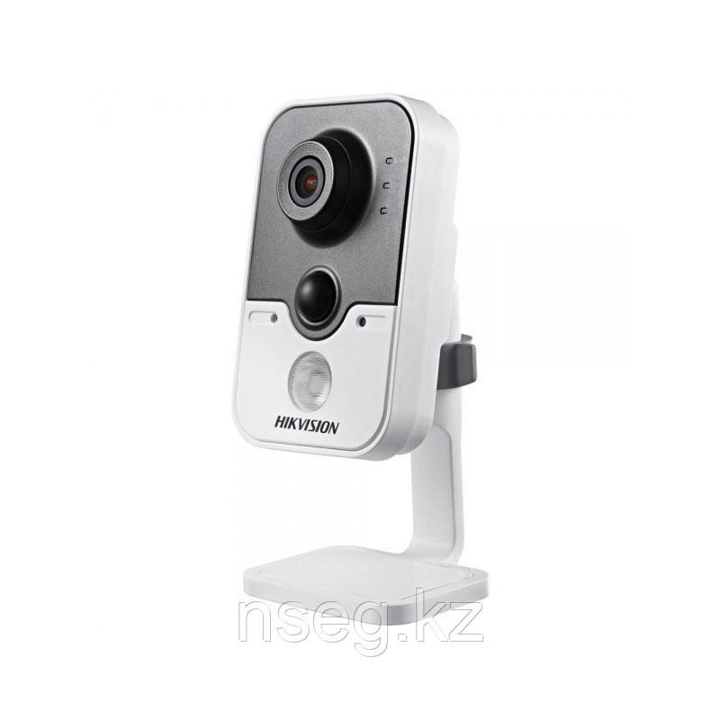 HIKVISION DS-2CD2442FWD 4Мп Wi-Fi IP камера с ИК-подсветкой до 10м.