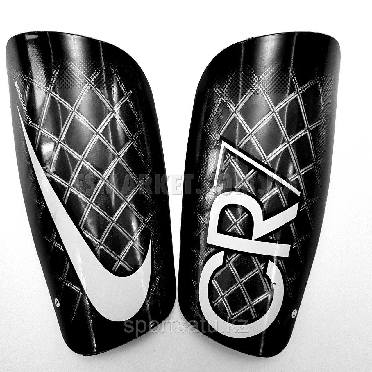 Футбольные щитки Nike CR7