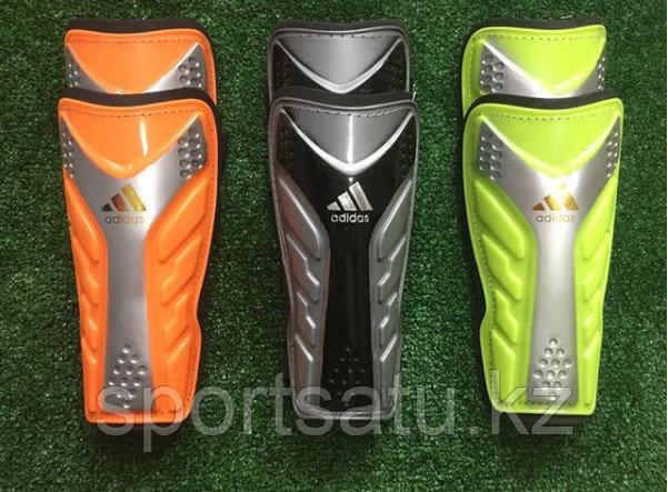 Футбольные щитки Adidas