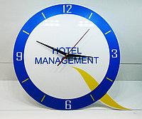 Часы с логотипом