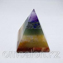 Пирамида из натурального камня по 7 чакрам