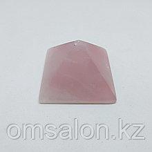 Пирамида из розового кварца, 35х35х22мм