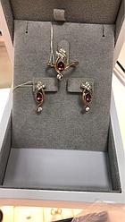 Серьги и кольцо с рубином
