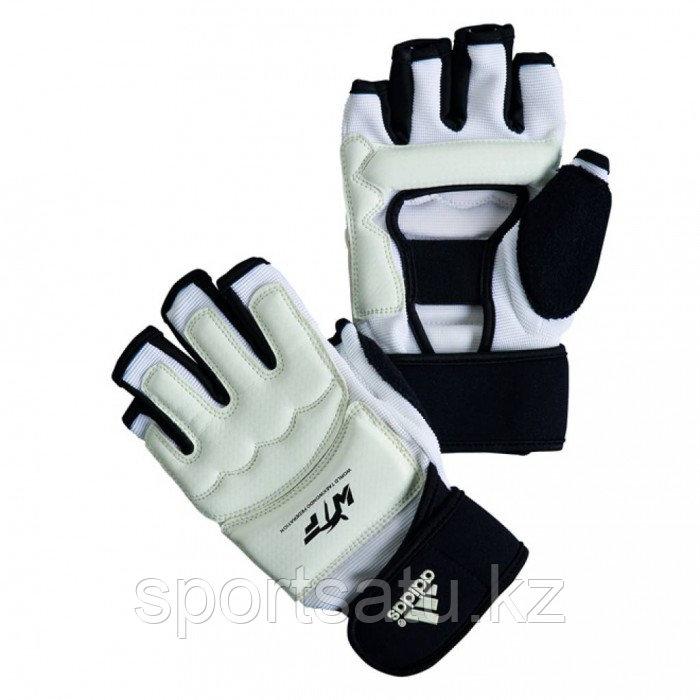 Перчатки для таэквондо WTF