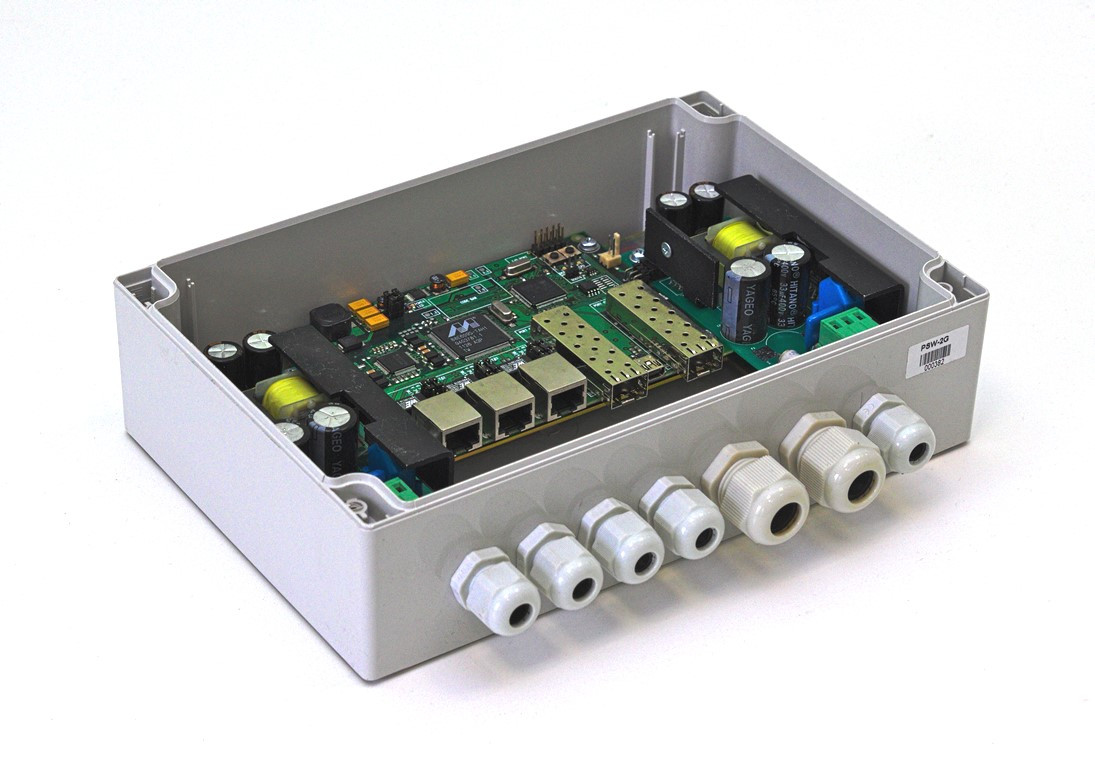 Коммутатор на 5 портов TFortis PSW-2G управляемый