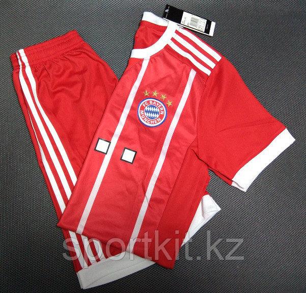 Футбольная форма FC Bayern, Бавария
