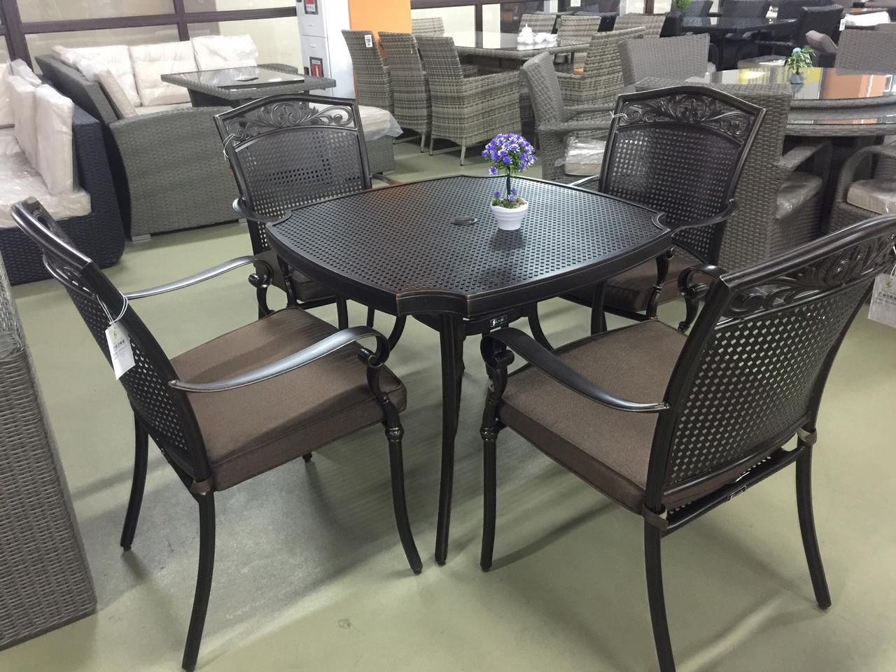 Кованный комплект Стол 4 кресла
