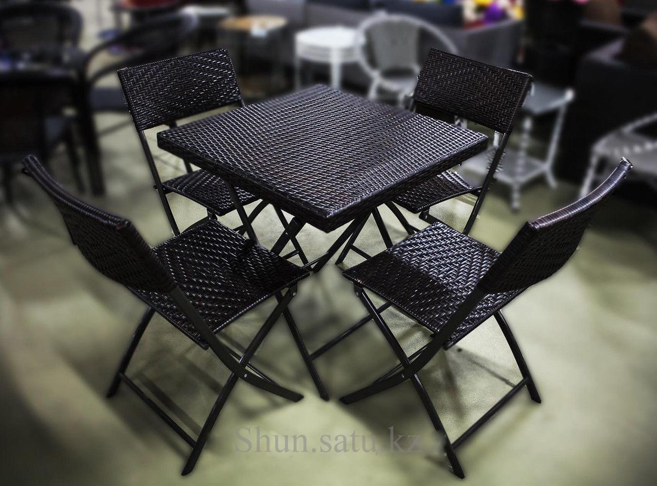Набор мебели, ротанг. Стол + 4 стула.