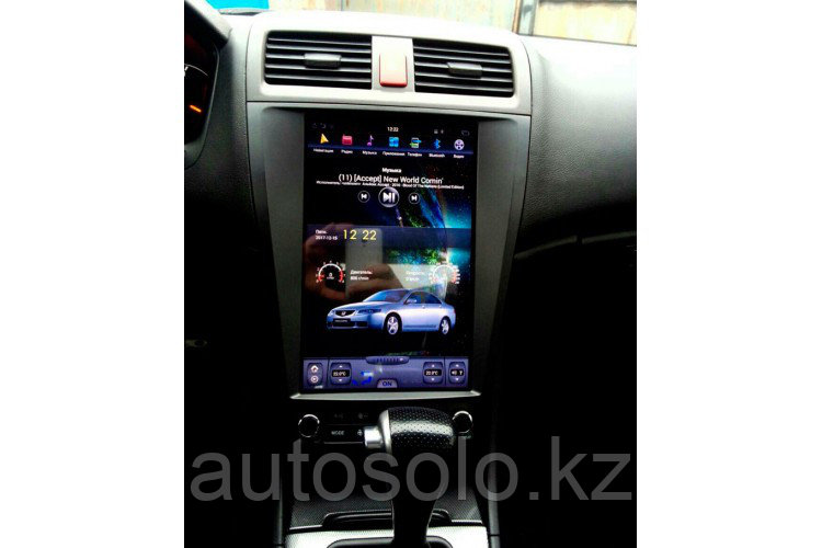 Штатная магнитола в стиле Tesla для Honda Accord 7