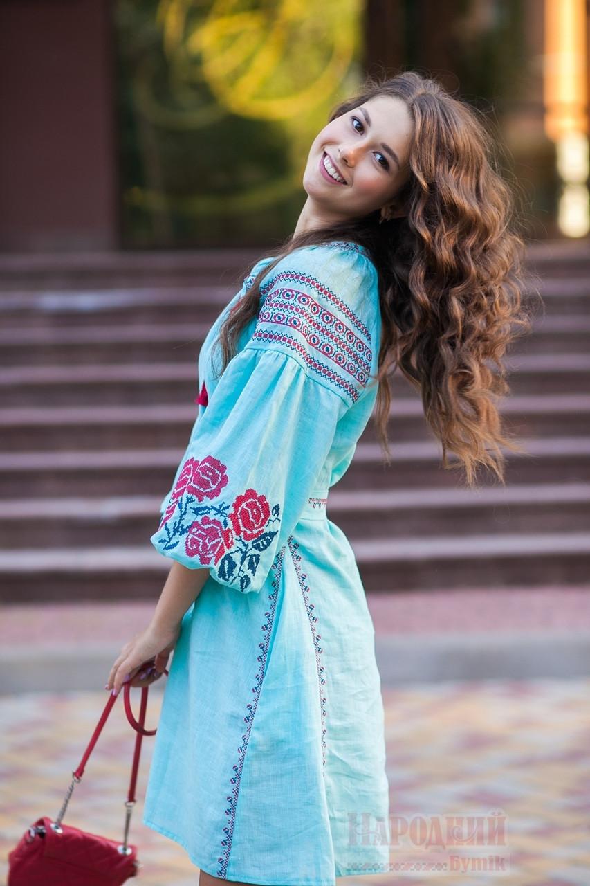 Платье короткое с клином Роза Новая лен мятный вышивка бордо - фото 4