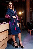 Темно синее платье с розовой вышивкой