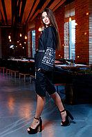 Черное платье с серой вышивкой