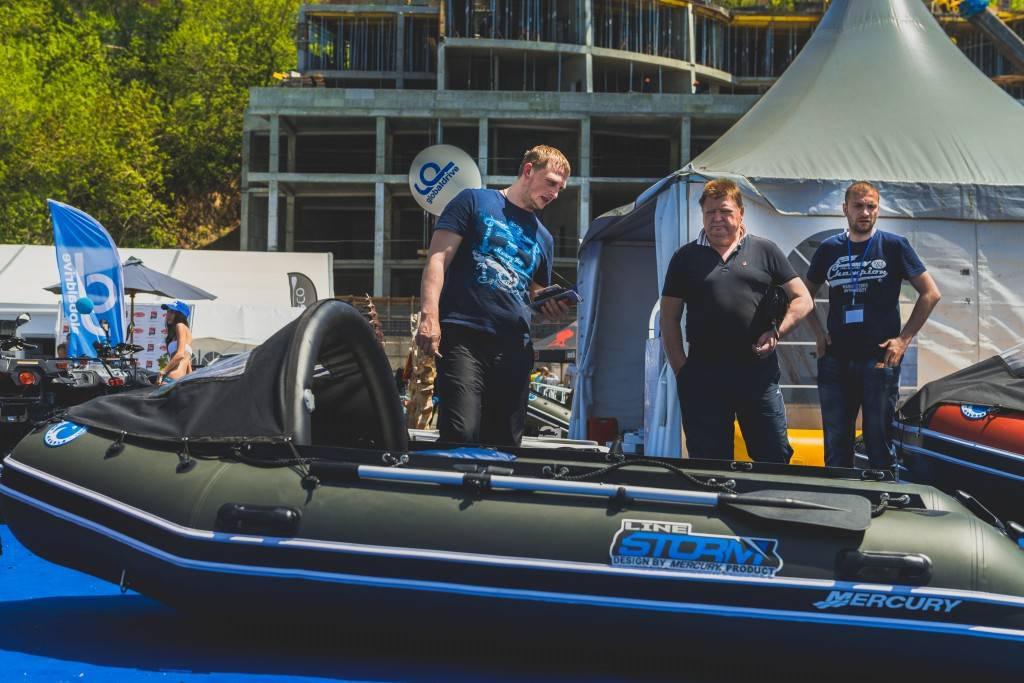 Лодка ПВХ Stormline Adventure Extra 400