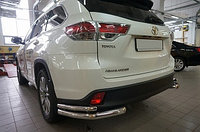 Защита заднего бампера уголки - двойные Toyota Highlender (2013-)