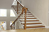 Светлая лестница в современном стиле, фото 2