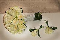 Букет невесты из роз молочный
