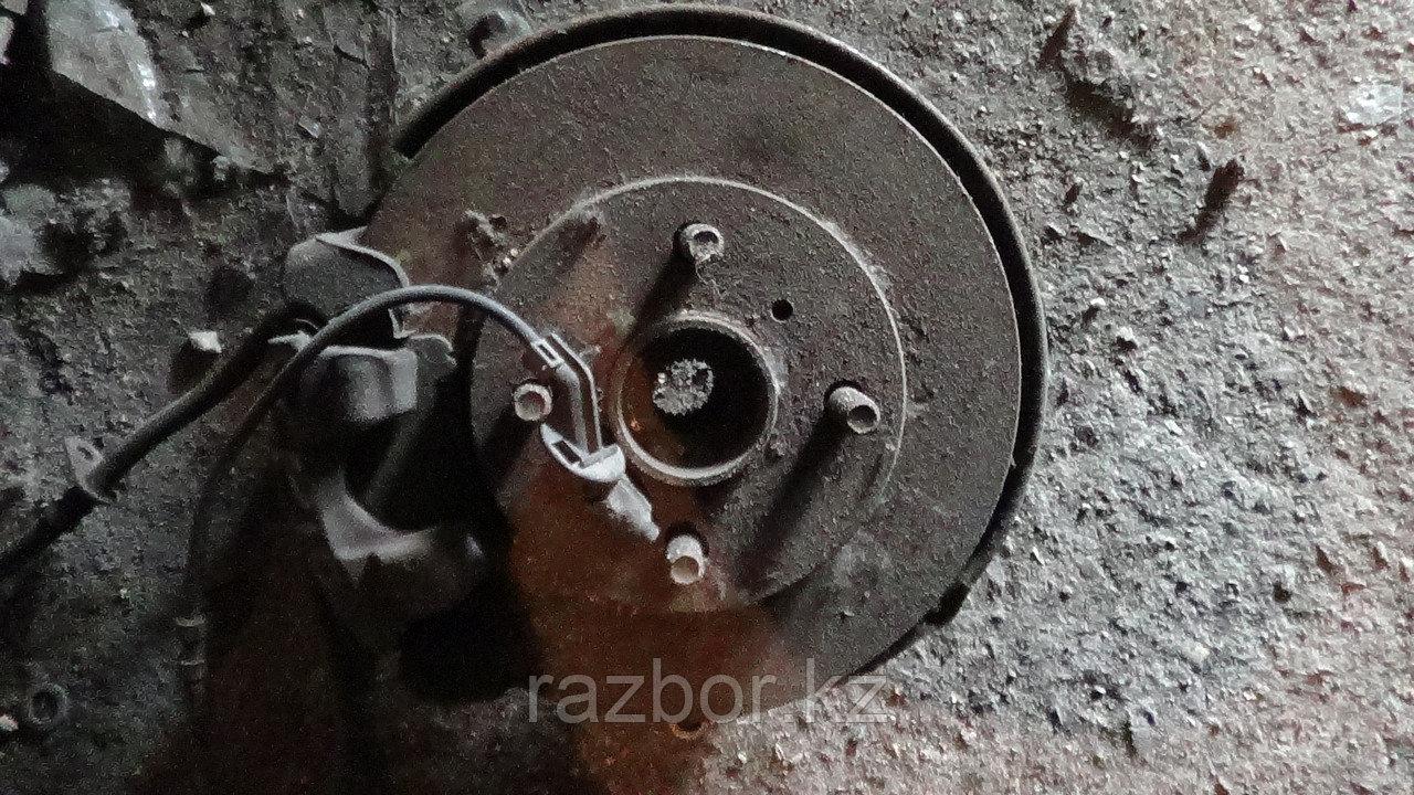 Тормозной диск Toyota Vitz левый передний