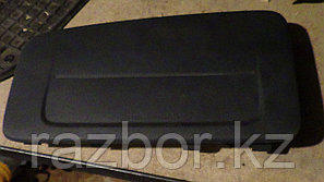 Крышка подушки безопасности Nissan Bluebird