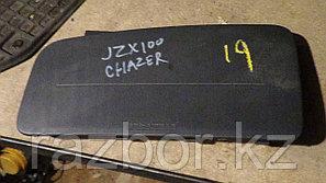 Крышка подушки безопасности Toyota Chaser (100)