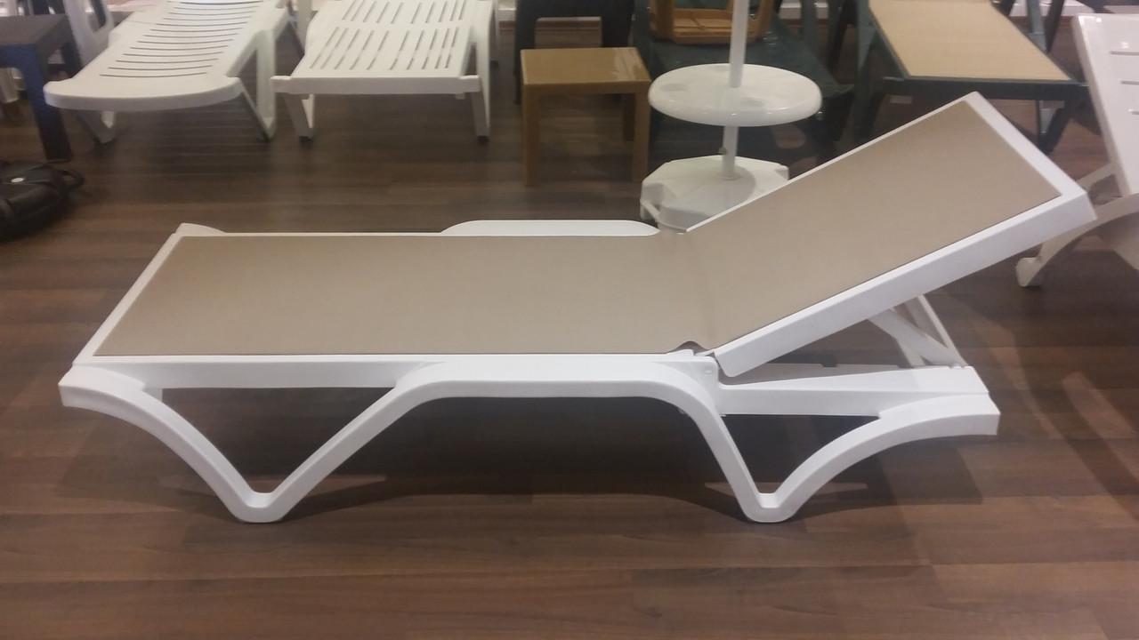 Лежак-шезлонг пластиковый «Ipek» без подлокотников, с тканевой основой - фото 5