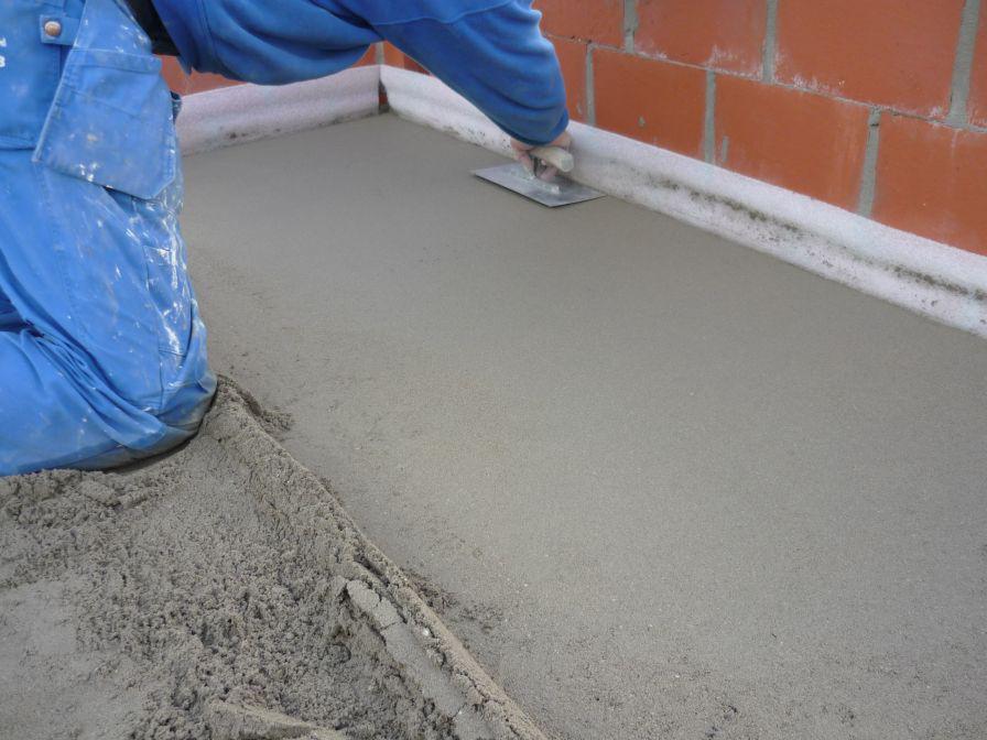 Изготовление песчано-цементной стяжки