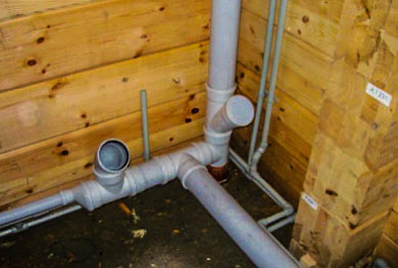 Монтаж водопроводных и канализационных труб