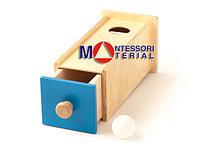 Коробочка с выдвижным шкафчиком и шариком