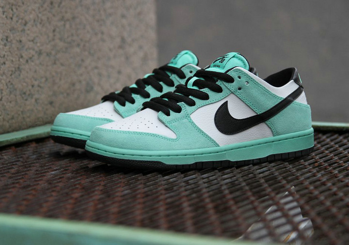 Nike SB Dunk Low IW