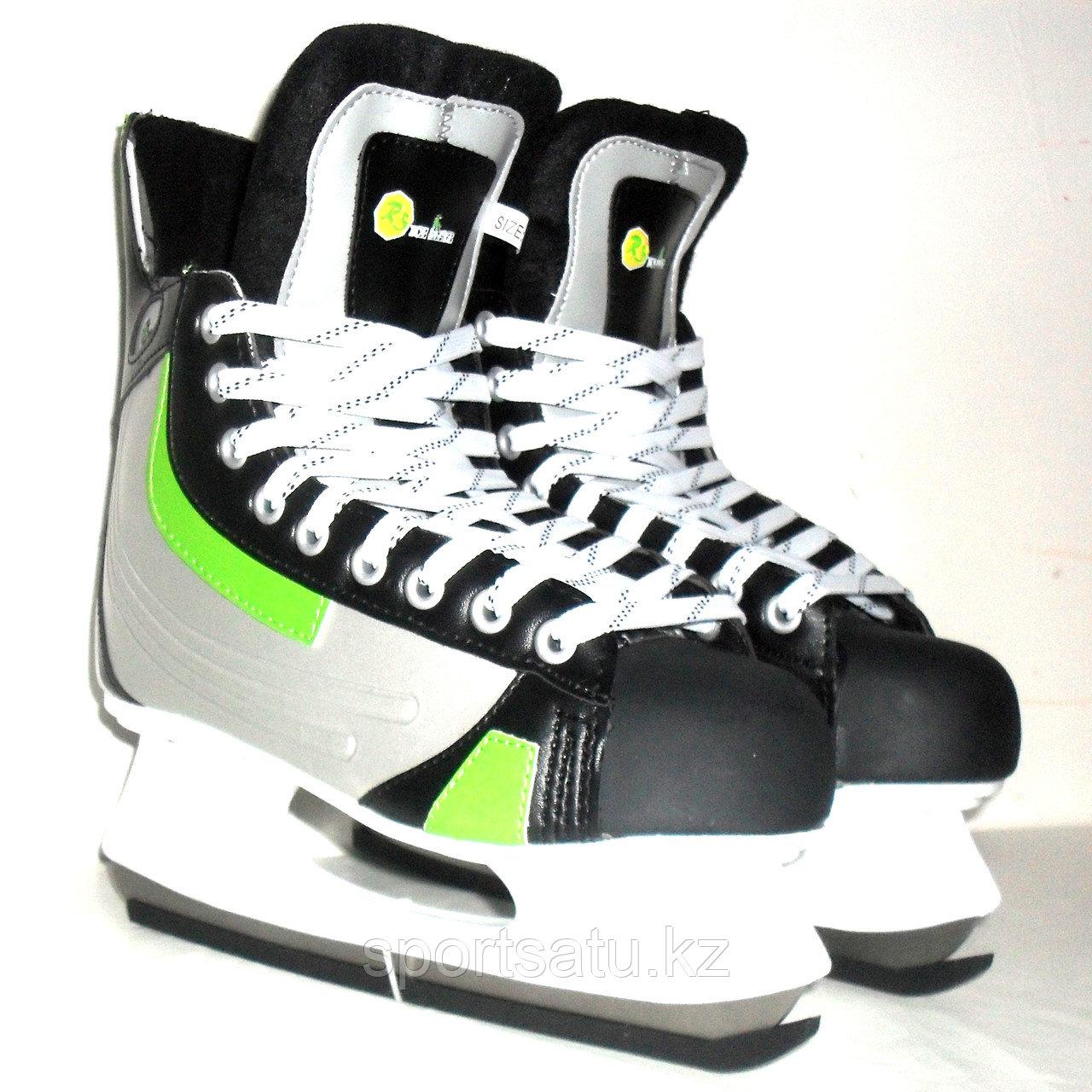 Ледовые коньки RS