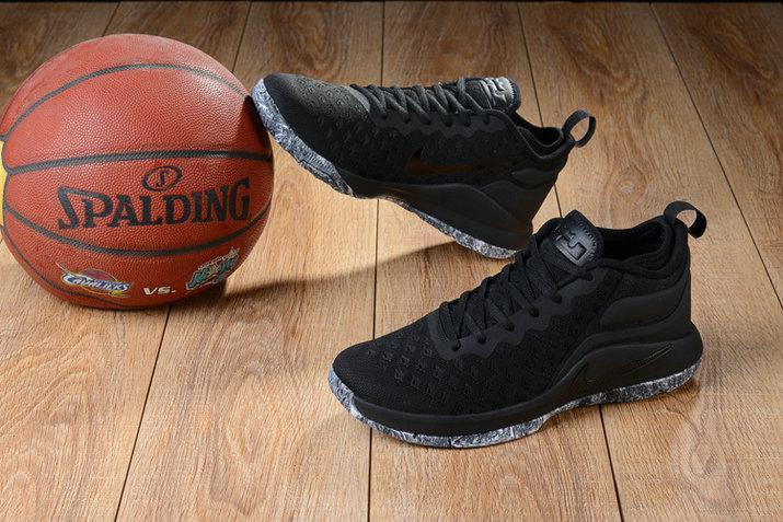 Баскетбольные кроссовки Nike Lebron Air Zoom Witness 2 Flyknit Triple Black - фото 2
