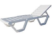 Шезлонг - Пляжный лежак пластиковый двухсоставной