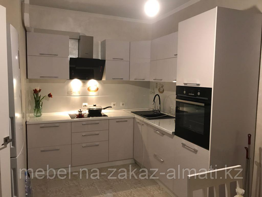 Встроенные кухни для маленького помещения