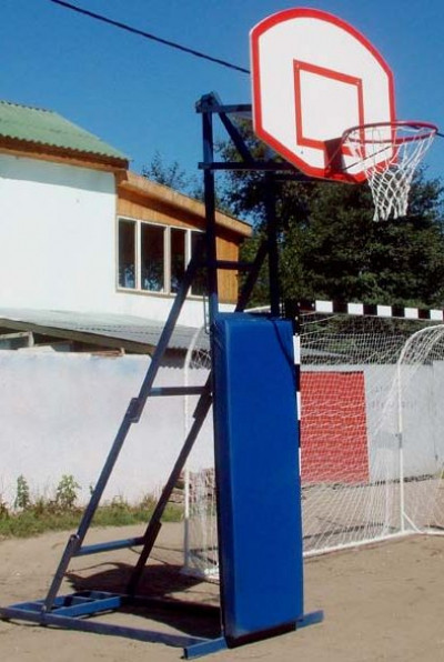 Стойка баскетбольная мобильная для стритбола (h 2,75 - 3,05 см) с протектором                арт. AQ17503
