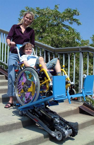 Лестничный  гусеничный мобильный подъемник для инвалидов Standard SA-2 в комплекте со съемной платформой для детских и спортивных кресел